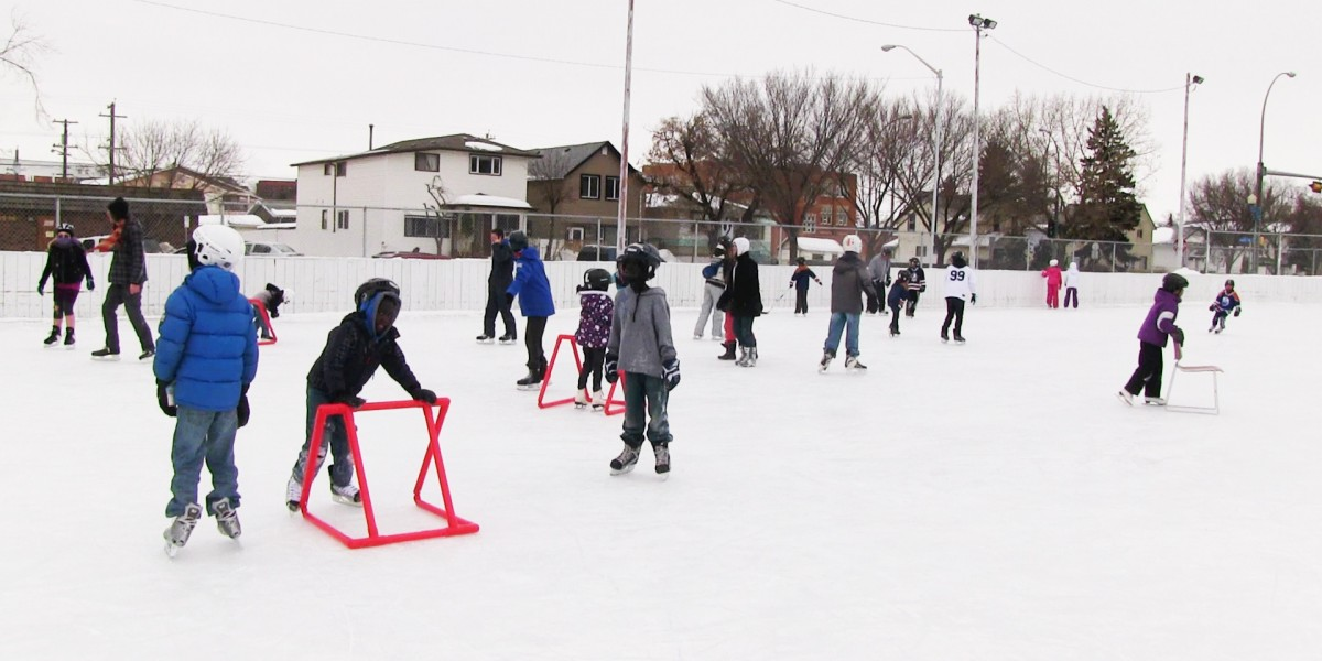 McCauley Community League - Kids playing hockey outside
